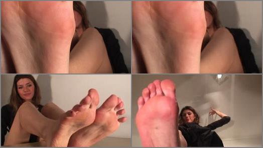 Barefoot – Alanis