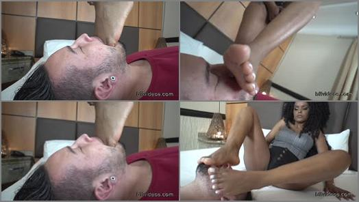 Footlicking – BFF Videos – Worship Black Goddess Danndara Sweaty Feet Pt.2