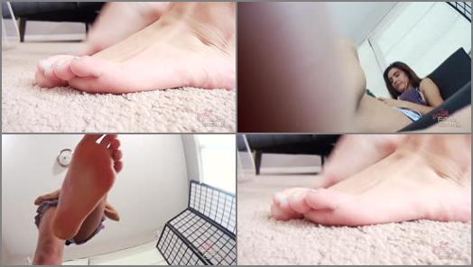 GIANTESS SPECIAL EFFECTS – Bratty Foot Girls – Nikki Next – Nikki's Unaware Big Brother Crush
