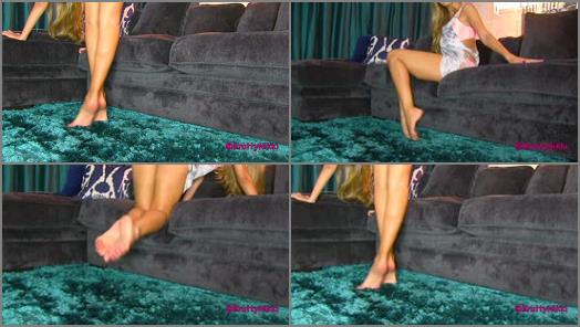 Wrinkled soles – Bratty Nikki – Sexy Arches and Toes JOI