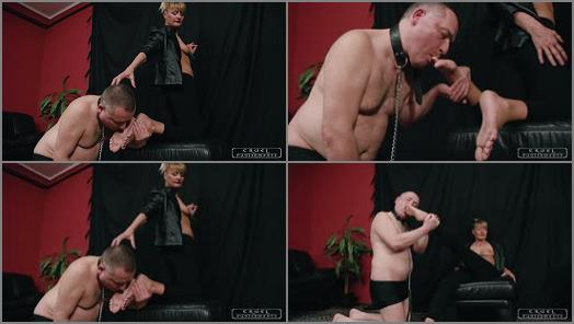 Domina Amazon – CRUEL PUNISHMENTS – SEVERE FEMDOM – All the toes in his mouth –  Mistress Bonnie