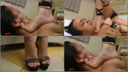 Submission – Dangerous Feet – The Perfect Feets And Nails By Top Model Francesca Giant And Vaninha