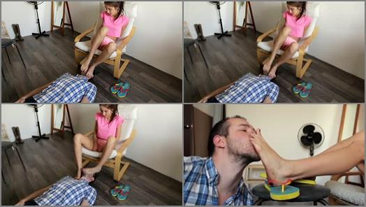 Dirty foot licking – Debra Extremely Dirty Feet