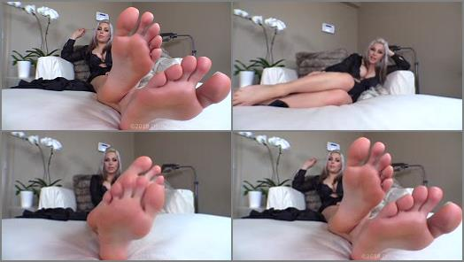 Divine Goddess Jessica  Stupefied By Feet  preview