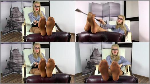 Pantyhose feet – Dominant Femine – POV – Olga – Wylizywaj Kaugotki – Russian Teacher Want You To Lick Her Pantyhose