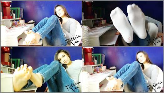 Pov – Felicia Vox – archived skinny jean foot tease
