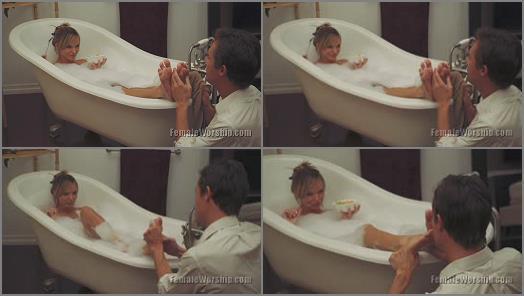 Foot kiss – Female Worship – I Love Bath Time