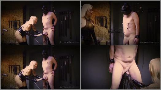 Femdom and StrapOn Clips  Maso Extreem   Calea Toxic  preview