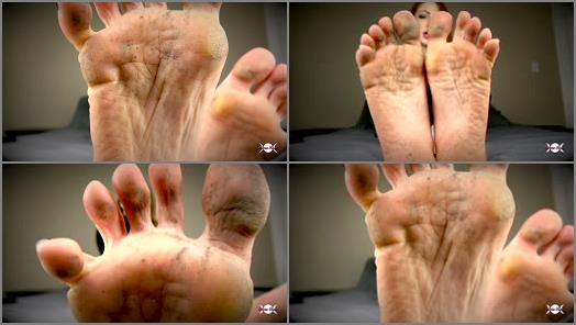 Dirty feet worship – Goddess Olivia Rose – Weak For Dirty Feet