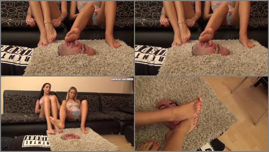 Foot worship – Goddess Rea, ARIEL – Pedicure Failure – PART1: EXTREME Foot Domination And Humiliation In The Facebox