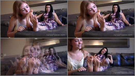 Feet licking – Goddess Xana Stars Fetish – The Taste of Xana's Feet
