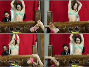 Ticklish - ItaliansTickling – Tickling fitness girl