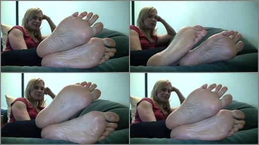 Toes – Jamie's Candid Stinky Soles Part 12