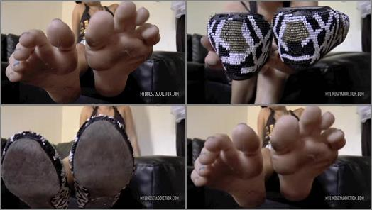 Stinky feet – Lindsey Leigh – DIRTY GUM FLATS AND SOLES