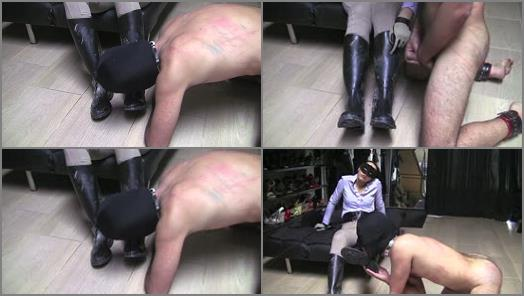 Whipping – MISTRESS GAIA – DIRTY RIDING BOOTS