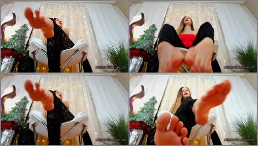 Soles fetish – Madison Stone – Kneeling Before My Feet