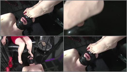 Nylon – Mistress Blackdiamoond – Breath control with my feet