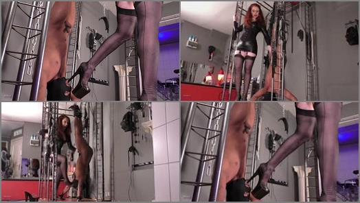 Fully Fashioned Stockings – Mistress Lady Renee – Upside down worship