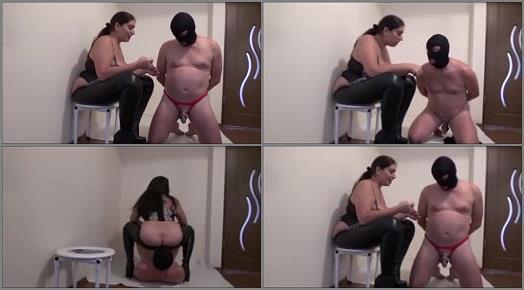 Tease & Denial – Mistress Roberta – Tricking my chastity slave into toilet play –  Mistress Roberta