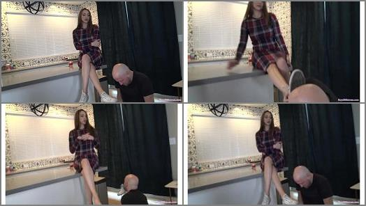 """Shoe fetish – Mistress Stella plays """"Stella says"""" with her slave"""