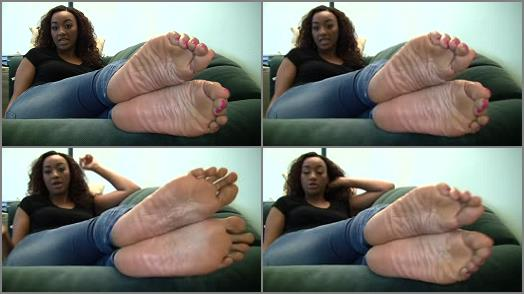 Naomis Candid Stinky Size 11 Soles Part 7 preview
