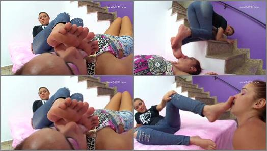Foot gagging – Newmfx – Cindy's new footslave