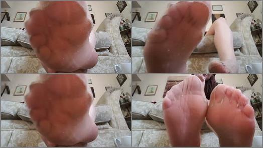 Pantyhose feet – Pixie Feet Nixx wearing thin denier nylons