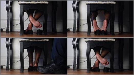 Toes fetish – Queen Veiny Feet – Work Shoe Play