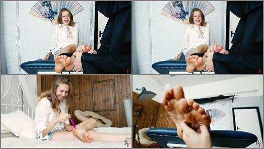 Foot tickling – Russian Fetish – Hippie girl – First tickle game with her appetizing soles and unmerciful torture
