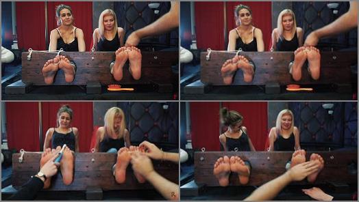 Foot tickling – Russian Fetish – Roxana, Agnessa – Yummy ticklish feet in big stocks