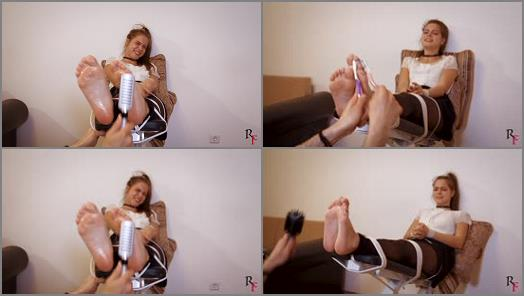 Foot tickling – Russian Fetish – Tickling the beautiful Leya's feet with many devices