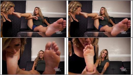 Foot worship – Sasha Foxxx, Reagan Lush  – Use that mouth right