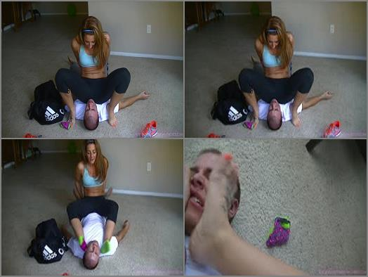 Foot Worship – Savannahs Fetish Fantasies – Little brother forced to smell sisters smelly feet, armpits, & sweaty gym ass