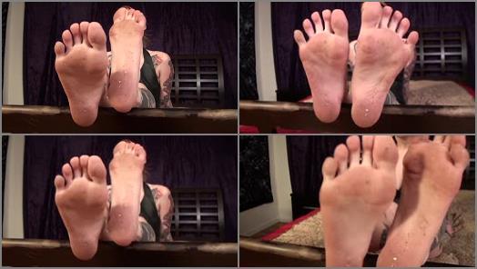 Dirty feet worship – Scarlett's Fetish Fantasies – Scarlett's Dirty Soles
