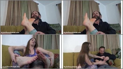 Foot submission – Terra Mizu stinky foot worship