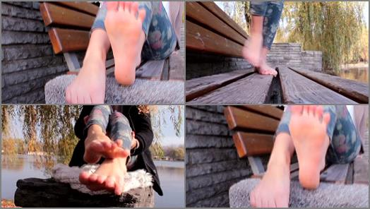 UNDER SMELLY FEET preview