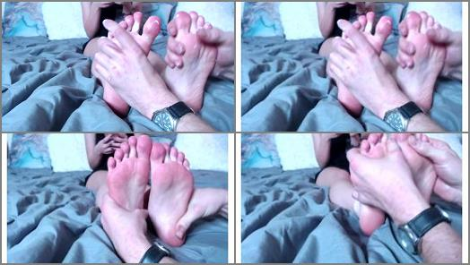 Venus Venerous  boyfriend massages her feet preview