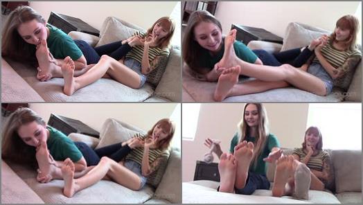 Foot licking – Xanas Foot Fantasies – The Foot Worship Roommate