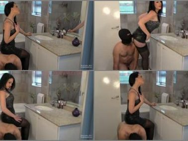 Female Domination - Young Goddess Kim – Ass Kissing Make-up Chair
