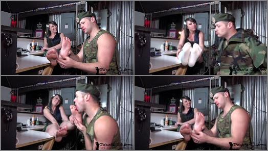 Soles licking – Dakota Charms xxx – Military Foot Slave