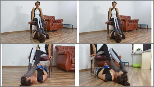 Girl-girl foot licking – Dominant Femine – Amara – New Jump Champion Defeat Old One – Part 2