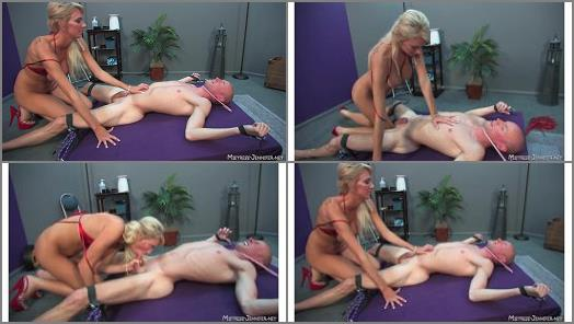 MistressJennifer  Nice and Tight  6 of 6  preview