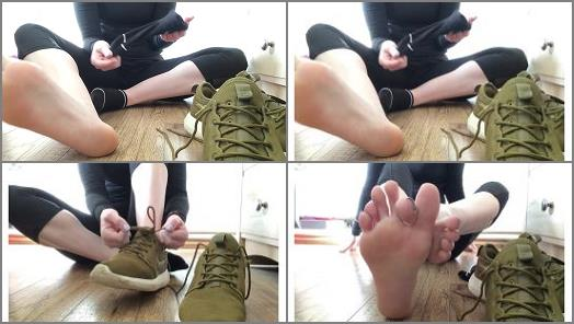 Legs – Sweetsoles – Smelly Gym Shoes and Sock Removal