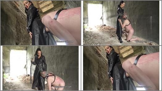 Femdom –  Chateau-Cuir – Outdoor leather Mistress worship –  Fetish Liza