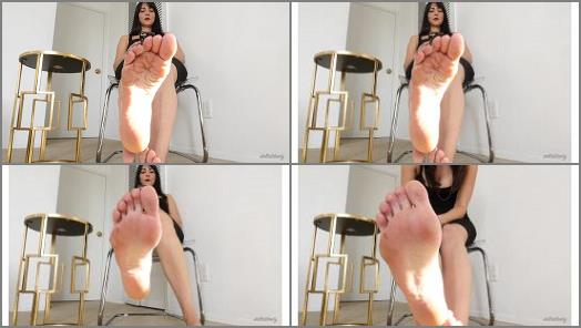 Footfetishbb – Stella Liberty – Executive Needs Foot Rub