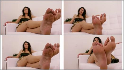 Highly arched feet – Goddess Foot Domination – Goddess Jessica Torres – Steps0n's New Role POV