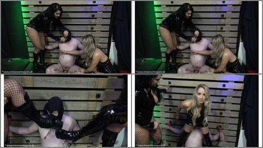 Dual Domination – Mistress Courtneys Fetish Lair – Nipples, Bums and Sniffing
