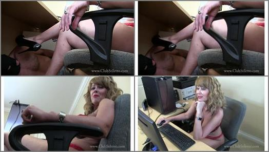 Foot humiliation – Mistress Kandy Kink – Under Kandy's Desk