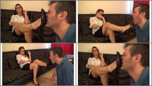 Olivia  Worship The Shoes Of Your Boss preview