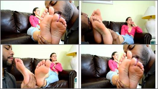 Foot in mouth – Sadie Holmes in Foot Love